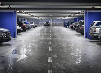 Jak działają bezobsługowe systemy parkingowe?