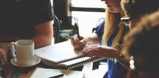 Umowa o pracę - jakie informacje powinna, a jakie musi zawierać